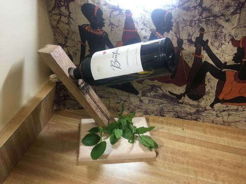 Floating Wine Holder